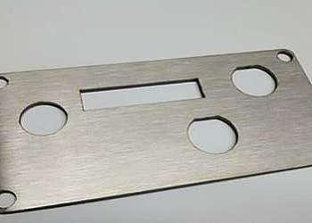 Corte laser de placa