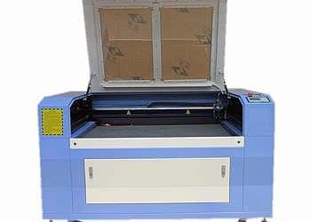 Máquina de gravação a laser em plástico