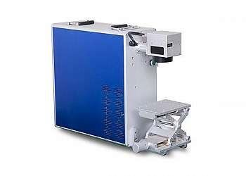 Máquina gravação a laser em metal
